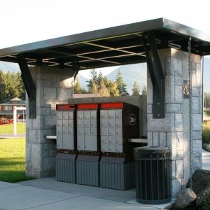 Garrison Crossing Mailbox Shelter